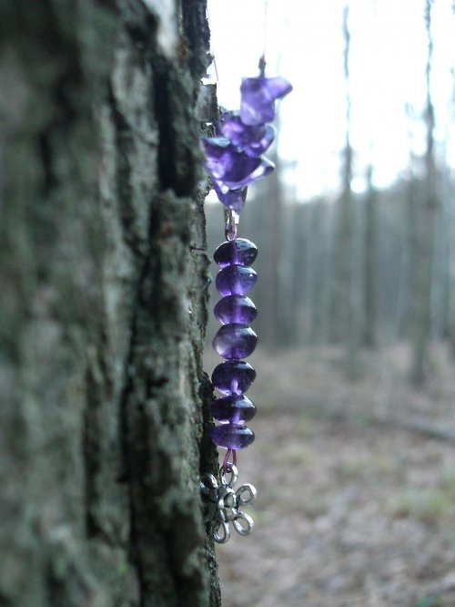 Křehký sedmikráskový náhrdelník