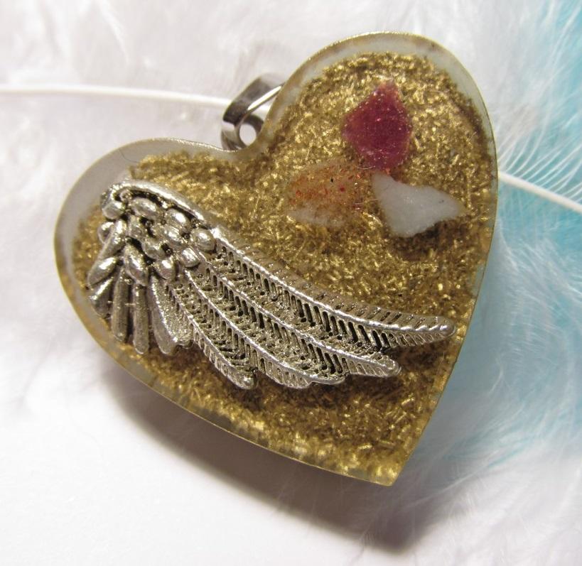 Orgonit přívěsek - Buď mým andělem (Orgonit, mosazné špony, sluneční kámen, růžový turmalín, angelit)
