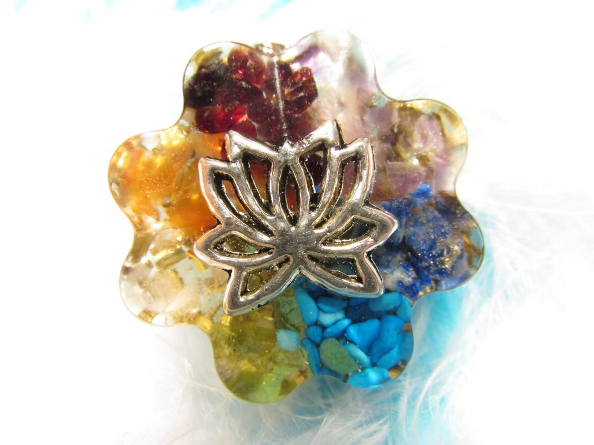 Orgonit Přívěsek - Čakrová květina s lotosovým kvítkem