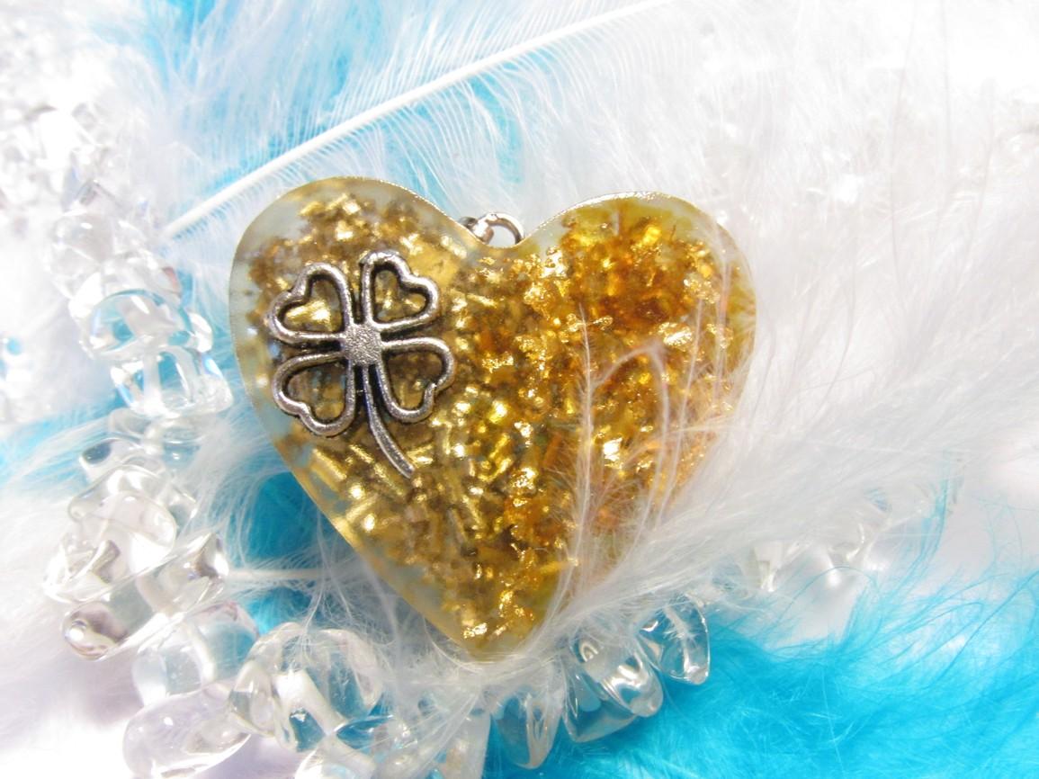 Orgonit přívěsek - Pro štěstí s jantarem a zlatem (Orgonit, plátkové zlato, jantar)
