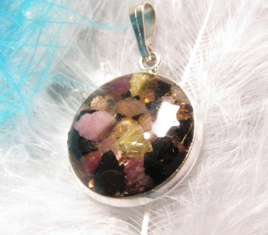 Orgonit přívěsek šungit, turmalín, sluneční kámen (přívěsek, orgonit, )