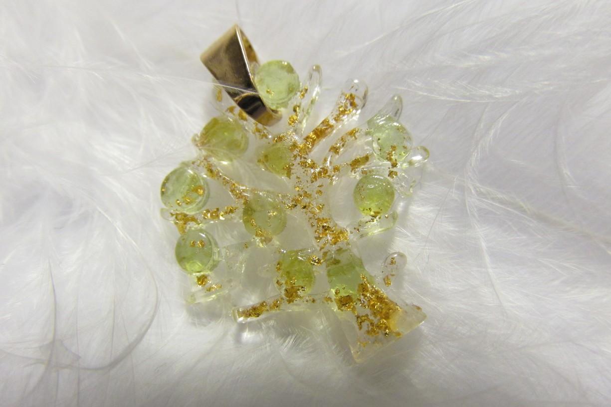 Orgonit - strom života s olivínky a pravým plátkovým zlatem (strom života, orgonit, olivín, plátkové zlato)
