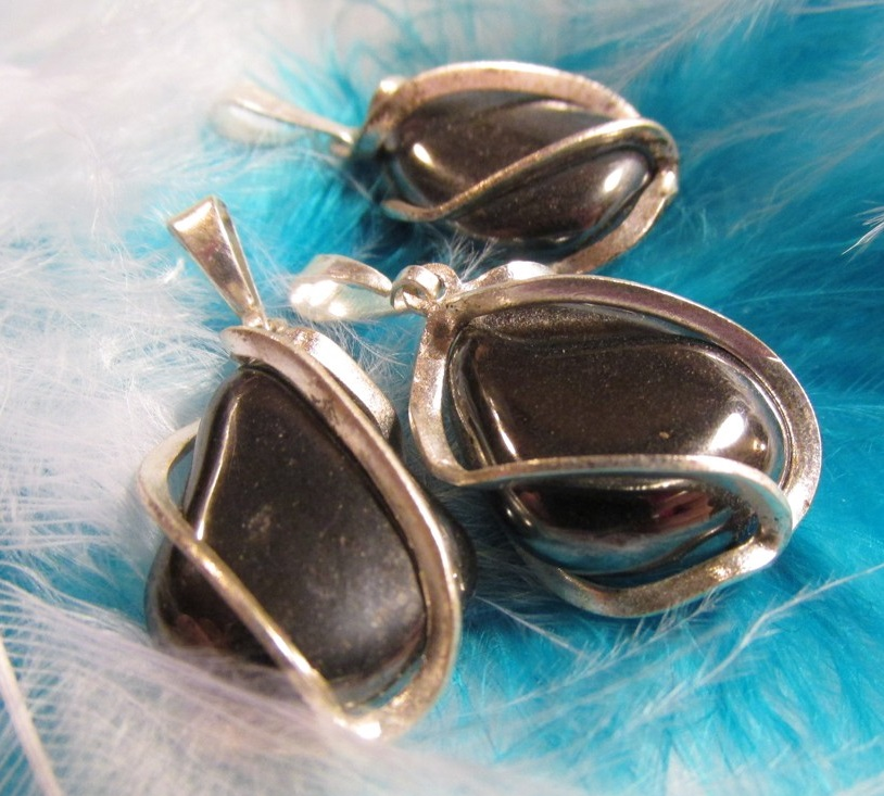 Spoutaný hematit - klícka tromlík velikost 2cm + dárek orgonit