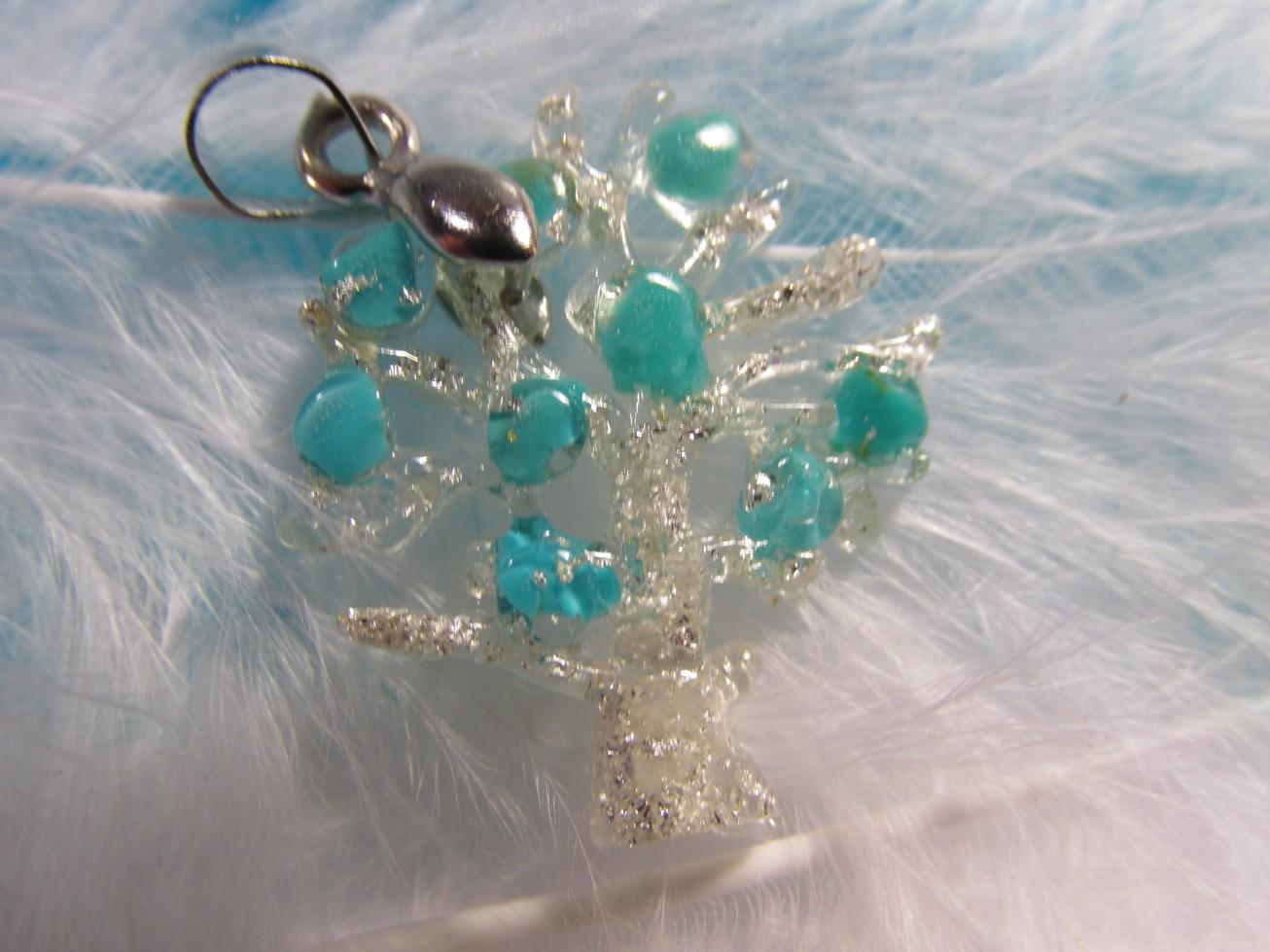 Orgonit - strom života s tyrkysem a pravým plátkovým stříbrem (strom života, orgonit, tyrkys, plátkové stříbro)