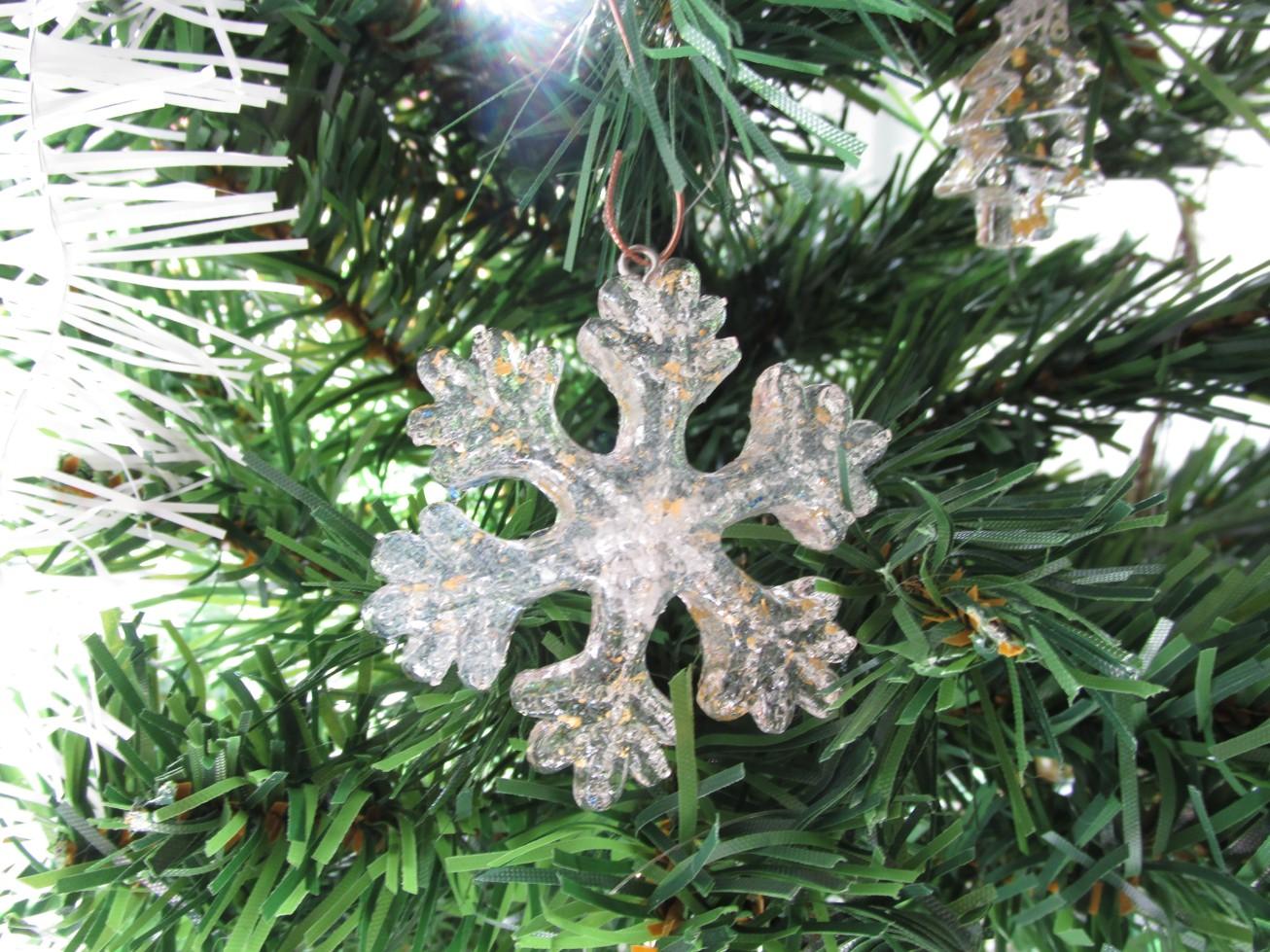 Orgonitová vánoční ozdoba s 24kt zlatem - vločka velká (Velikost ozdoby 7x7cm)