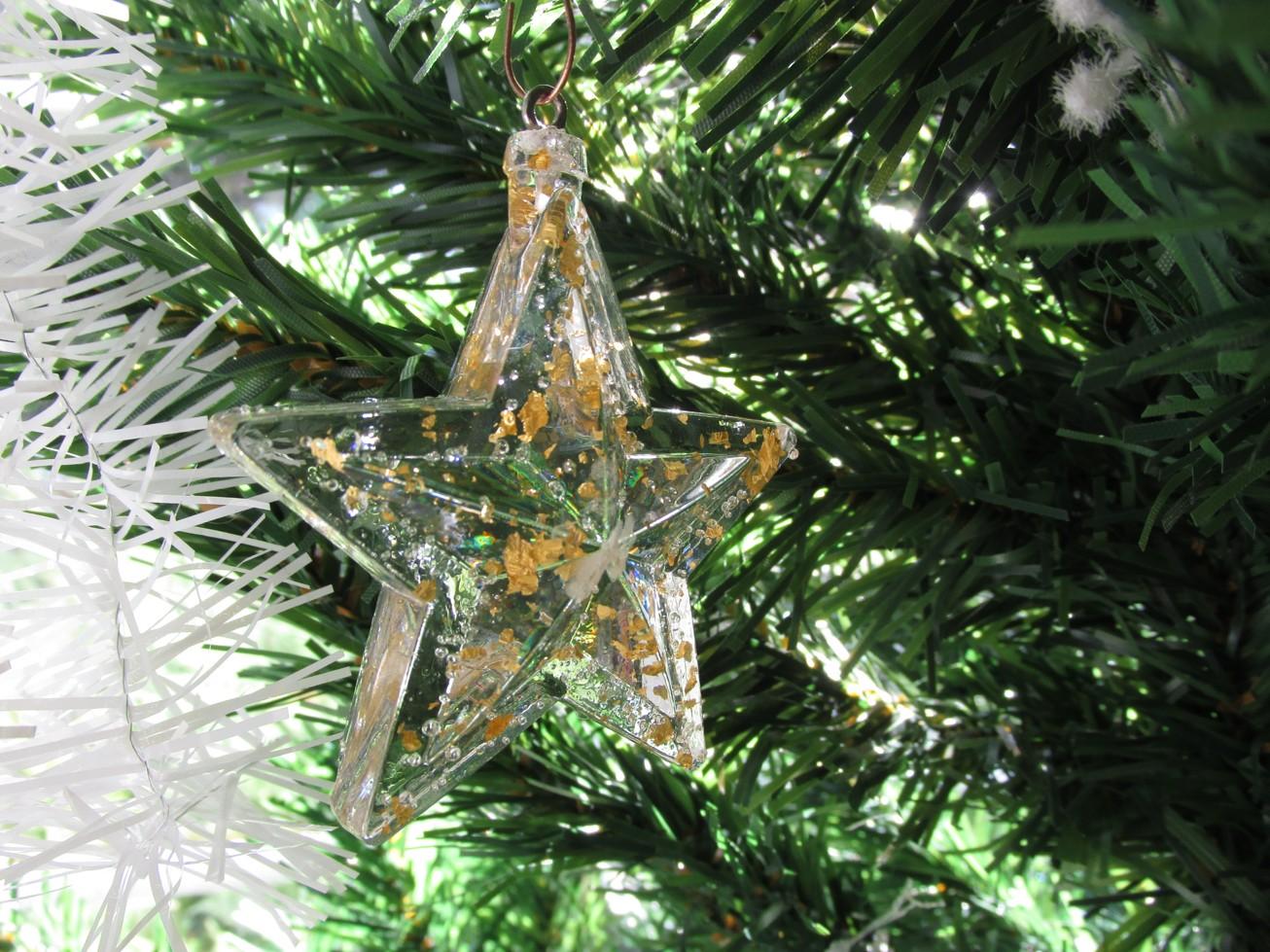 Orgonitová vánoční ozdoba s 24kt zlatem - hvězda velká (Velikost ozdoby 7x7cm)