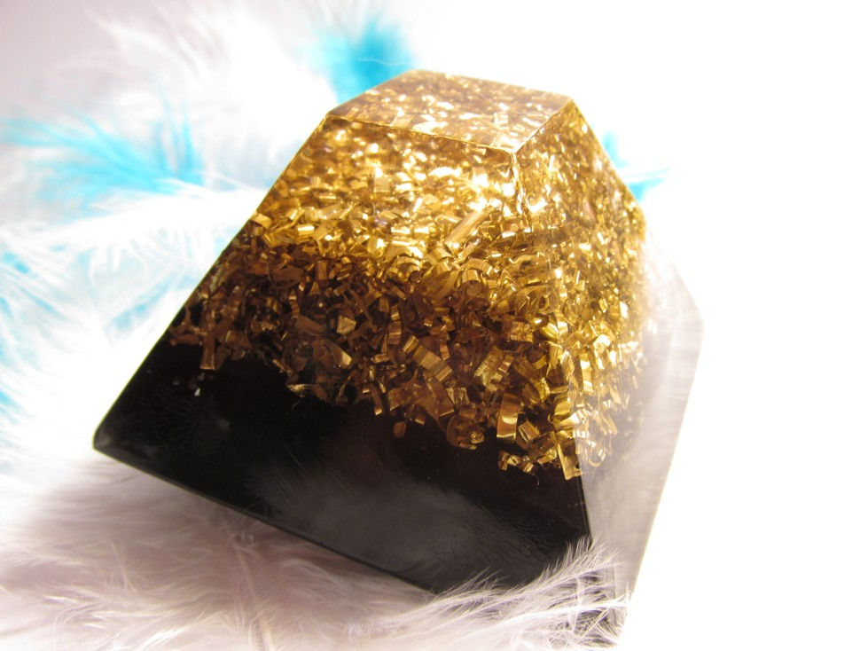 Orgonit-Harmonizér a energetizátor se šungitem 7x7 cm, dosah cca 5 metrů (Mayská pyramida se šungitem)