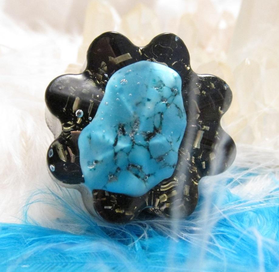 Orgonit květinka - Pro sladké sny (Květinka malá, modrý howlit, šungitový pudr)