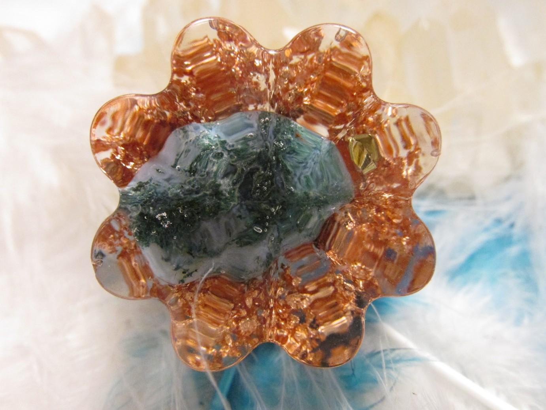 Orgonit květinka - Z mechu a kapradí (Květinka malá, mechový achát, vločky plátkové mědi)