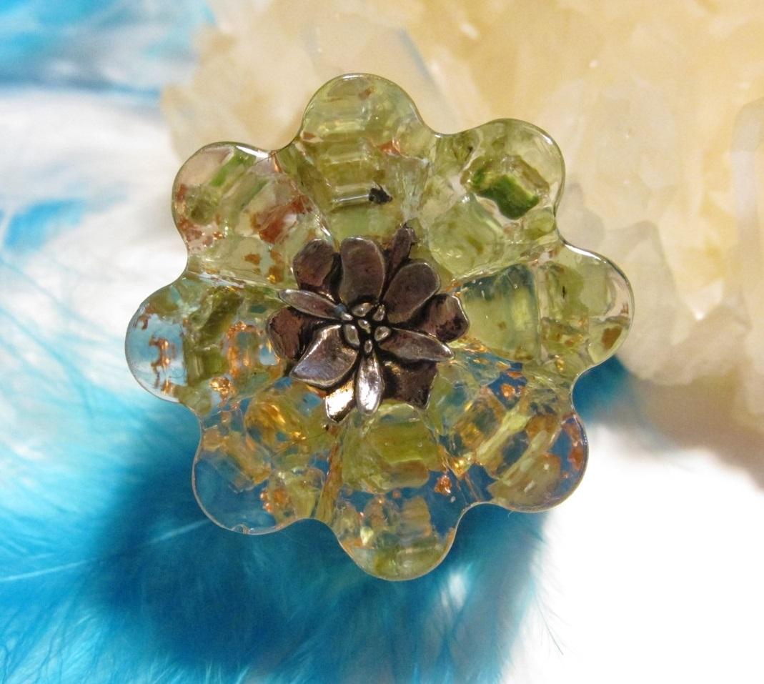 Orgonit květinka - Naděje na lásku (Květinka malá, lotosový květ, olivín, křišťál, vločky plátkové mědi)